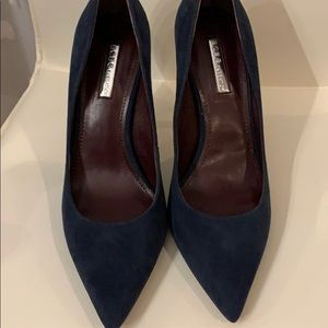Navy blue pumps size 8.5 NWT